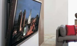 Как повесить телевизор на стену с помощью кронштейна